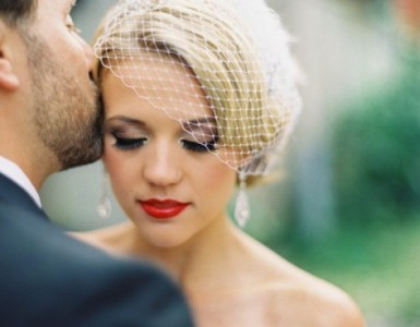 Why-You-Should-Hire-A-Wedding-Makeup-Artist-credit-to-weddingentire-e1394505805892