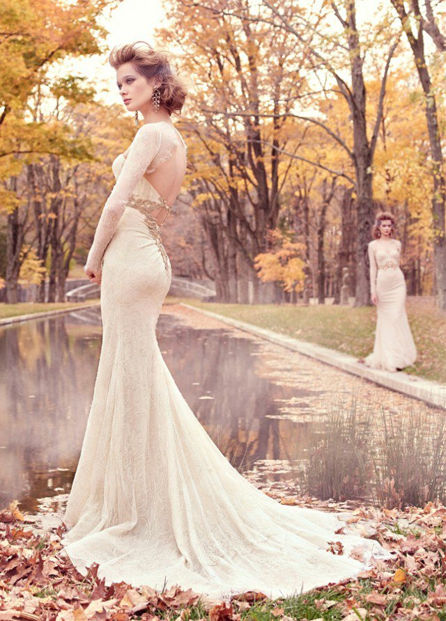 lazaro-bridal-chantilly-lace-trumpet-corseted-lace-golden-jewel-natural-sweetheart-fitted-keyhole-chapel-3512_zm-640x892
