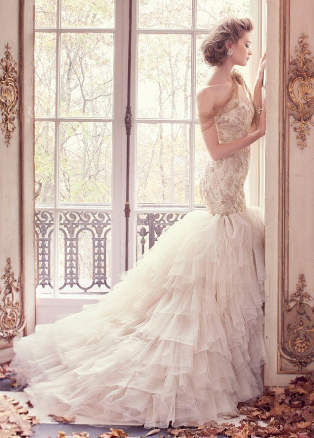 lazaro-bridal-tulle-fit-flare-gold-floral-beaded-embroidered-strapless-sweetheart-sparkle-organza-sweep-3509_zm-640x892