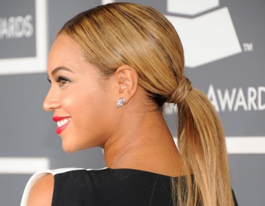 Beyoncé-went-extra-long-ponytail-Grammy-Awards