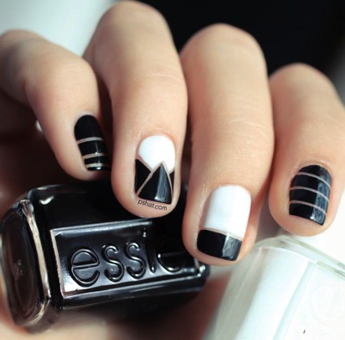 Interesting black and white nail designs black and white negative space nail design prinsesfo Choice Image