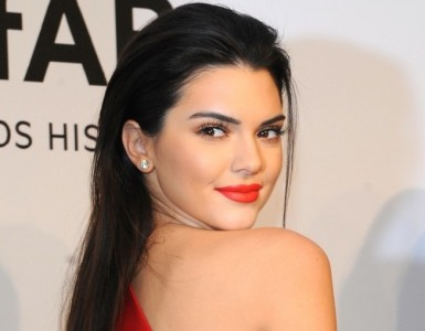 celebrity-beauty-slick-hair-kendall-jenner-701x1024