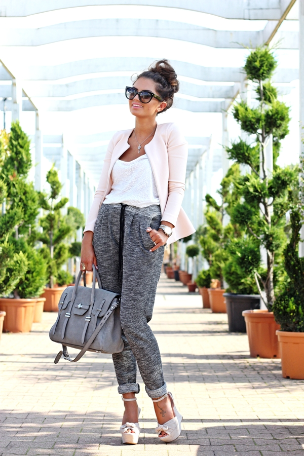 casual-shopping-outfit-joggings-pants-hm-rebeccaminkoff-bag-topshop-zara-guess-2b58