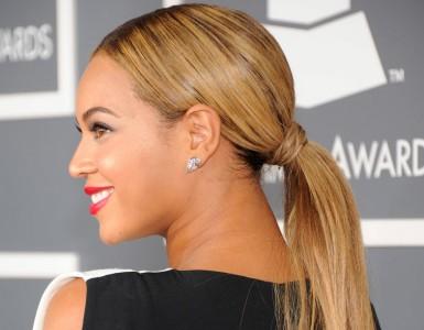 Beyoncé-went-extra-long-ponytail-Grammy-Awards