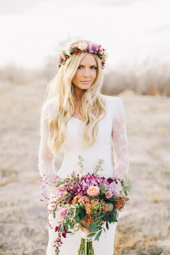 boho-style-waves-and-floral-crown-via-barefootblonde-com