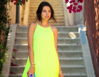 neon outfit combination